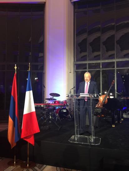 Son Excellence Viguen Tchitetchian, ambassadeur d'Arménie en France